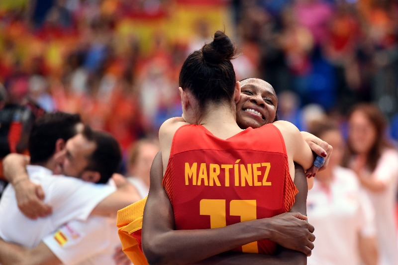 8. Astou Ndour (Spain), 11. Nuria Martinez (Spain)